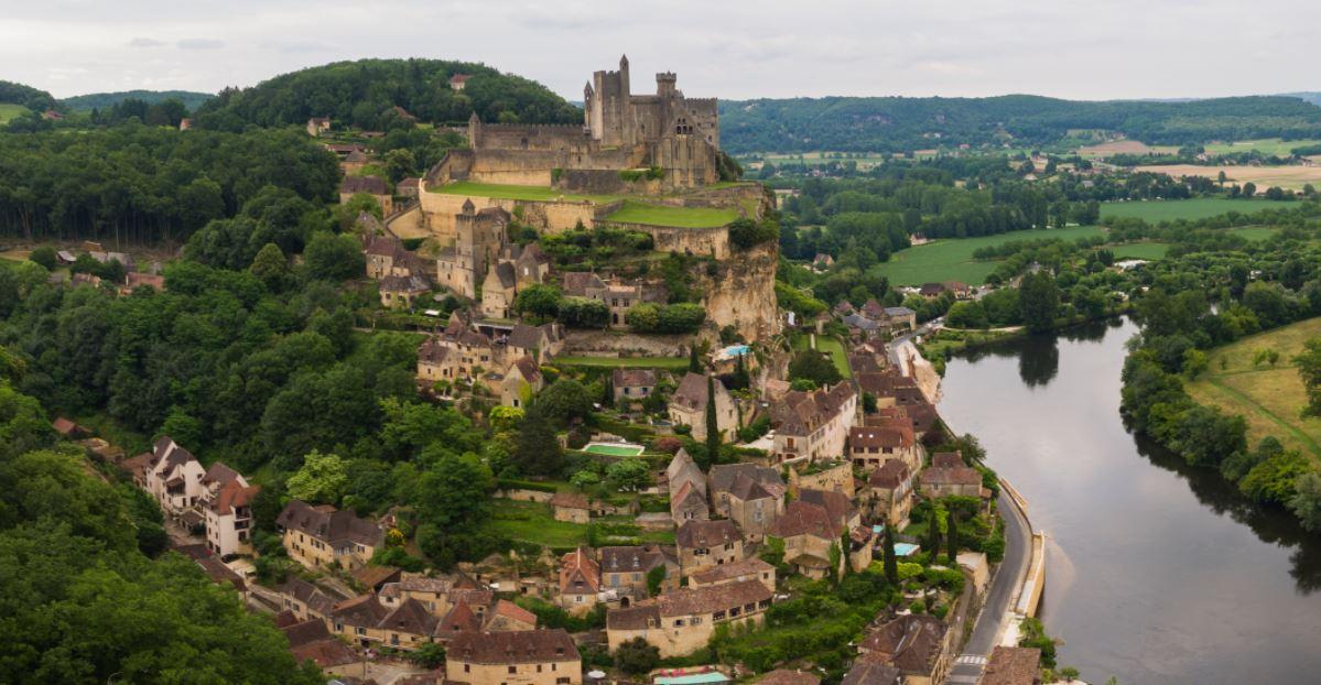 beynac el pueblo mas bonito de francia