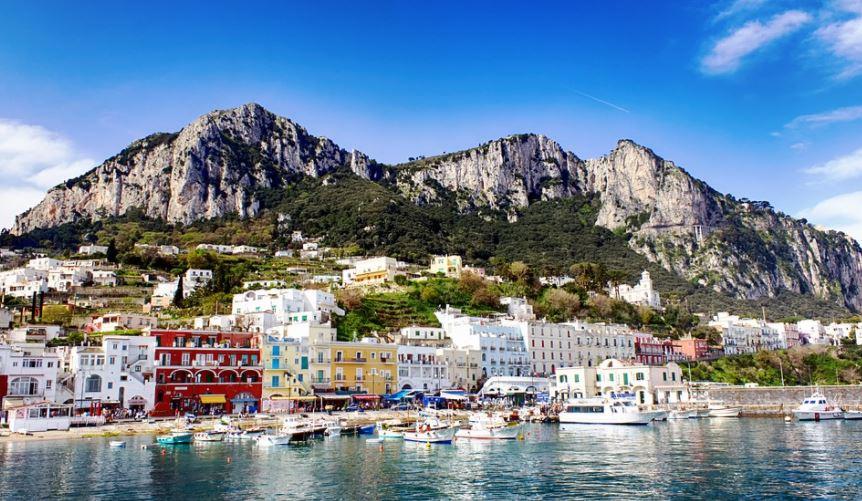 pueblos italianos costeros