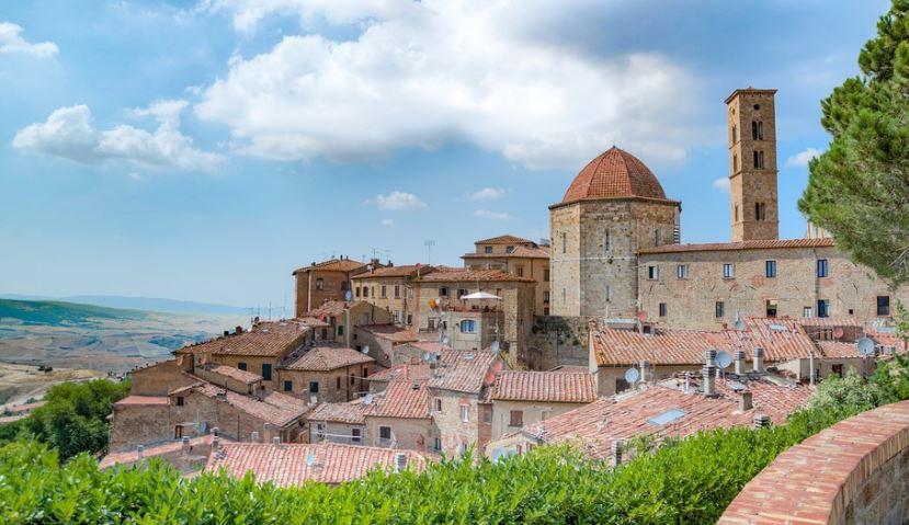 pueblos de la toscana Volterra