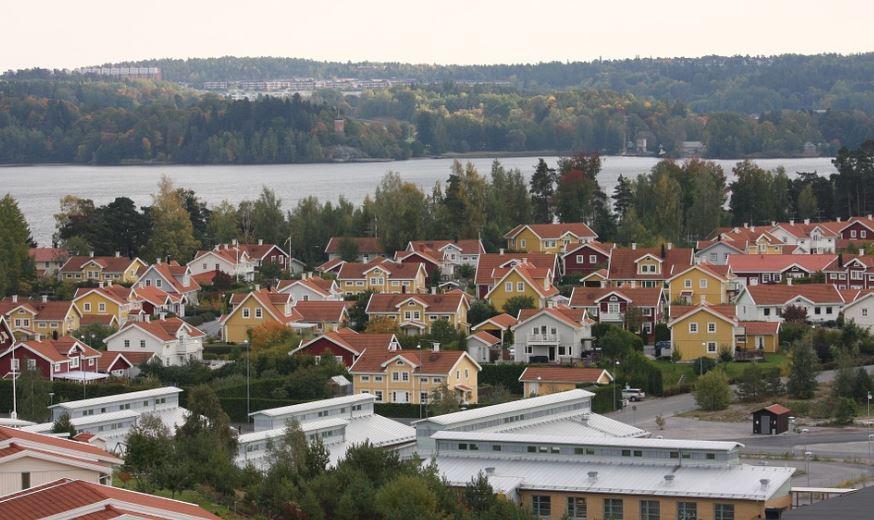 mora suecia pueblos con lagos en suecia